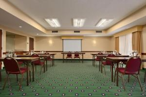 Baymont Inn & Suites Columbia Northwest, Hotels  Columbia - big - 12