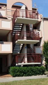 Appartement Les Solleillades, Apartmány  Palavas-les-Flots - big - 7