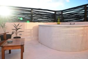 Matisse - Studio Penthouse with Outdoor Soaking Tub