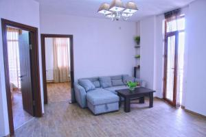 New apartment 2 in the city center, Apartments  Batumi - big - 2