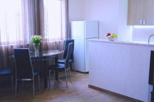 New apartment 2 in the city center, Apartments  Batumi - big - 13