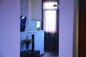 New apartment 2 in the city center, Apartments  Batumi - big - 16