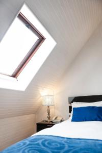 Kleines Doppelzimmer im Dachgeschoss