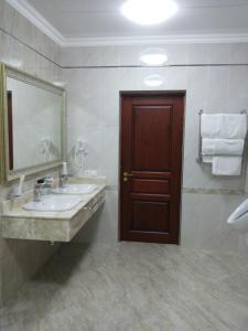 Hotel Сomplex Ak-Zhaik, Hotely  Karagandy - big - 93
