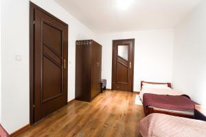 Apartamenty Prestige, Гостевые дома  Закопане - big - 14