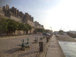 Apartment Le 1725, Ferienwohnungen  Saint-Malo - big - 38