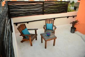 Degas - Studio Penthouse with Outdoor Soaking Tub