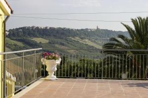 Il Terrazzo Delle Rondini, Отели типа «постель и завтрак»  Lapedona - big - 3