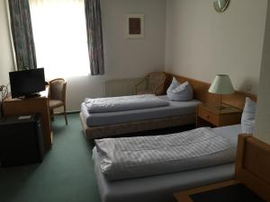 Niebuhrs Hotel, Hotels  Friedrichsdorf - big - 2