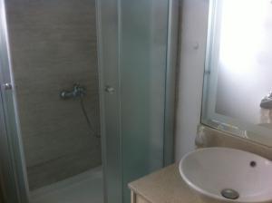 Sandy Beach Apartment 8, Apartmány  Voroklini - big - 32