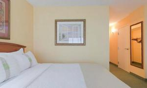 Holiday Inn Hotel & Suites Clearwater Beach, Hotely  Clearwater Beach - big - 11