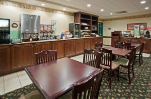 Country Inn & Suites by Radisson, St. Cloud East, MN, Hotels  Saint Cloud - big - 34