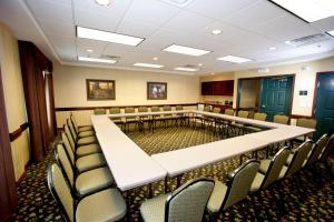 Country Inn & Suites by Radisson, St. Cloud East, MN, Hotels  Saint Cloud - big - 31