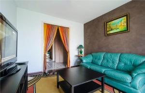 Vip-kvartira Leningradskaya 1A, Apartments  Minsk - big - 92