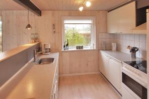 Three-Bedroom Holiday Home Hjortevej 09, Nyaralók  Hemmet - big - 9