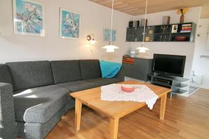 Three-Bedroom Holiday Home Vesten with a Sauna 06, Dovolenkové domy  Sønderho - big - 9