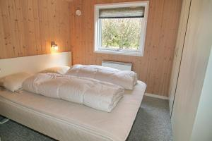 Three-Bedroom Holiday Home Vesten with a Sauna 06, Dovolenkové domy  Sønderho - big - 16