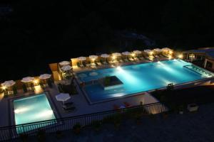 Marina Apartments(Agios Gordios)