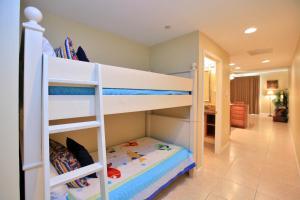 One-Bedroom Apartment 404W