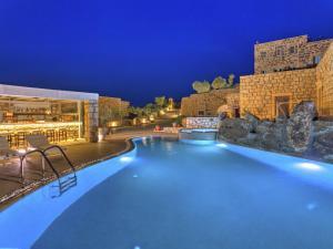 Eirini Luxury Hotel Villas, Villen  Grikos - big - 70