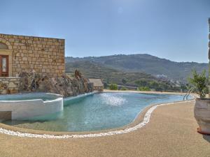 Eirini Luxury Hotel Villas, Villen  Grikos - big - 68