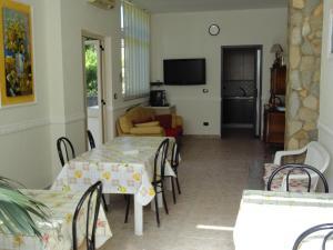 Pensione Affittacamere Miriam, Guest houses  Scalea - big - 18
