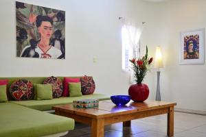 Frida - One-Bedroom Apartment