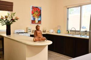 Van Gogh -Two-Bedroom Apartment