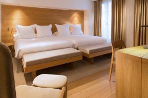 Hotel Marignan Champs-Elysées, Отели  Париж - big - 13