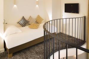 Hotel Marignan Champs-Elysées, Отели  Париж - big - 33