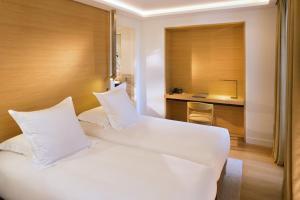 Hotel Marignan Champs-Elysées, Отели  Париж - big - 4