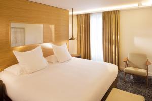 Hotel Marignan Champs-Elysées, Отели  Париж - big - 2