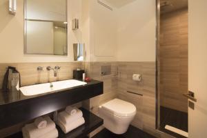 Hotel Marignan Champs-Elysées, Отели  Париж - big - 49