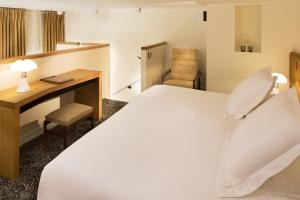 Hotel Marignan Champs-Elysées, Отели  Париж - big - 45