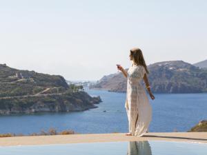 Eirini Luxury Hotel Villas, Villas  Grikos - big - 87