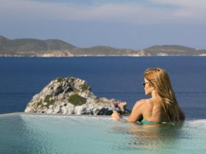Eirini Luxury Hotel Villas, Villen  Grikos - big - 86