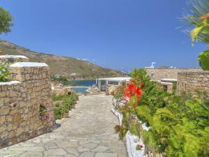 Eirini Luxury Hotel Villas, Villas  Grikos - big - 79