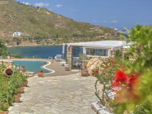 Eirini Luxury Hotel Villas, Villas  Grikos - big - 78