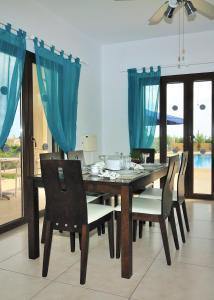 Villa Agios Ilias 2, Vily  Coral Bay - big - 8