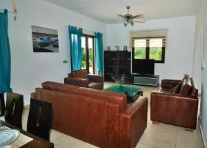 Villa Agios Ilias 2, Vily  Coral Bay - big - 11