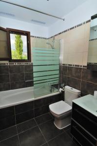 Villa Agios Ilias 2, Vily  Coral Bay - big - 10