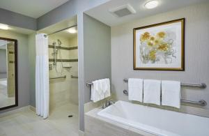 Queen Junior Suite with One Queen Bed Disability Access