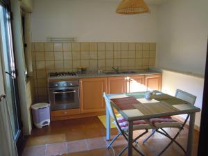 Appartamenti Punta Aguzza, Apartmány  Aci Castello - big - 2