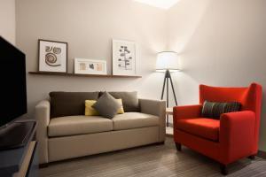 Studio King Suite