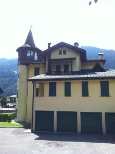 Appartamento Pinzolo, Apartments  Pinzolo - big - 8