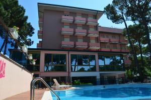 Hotel Rosen Garden - AbcAlberghi.com