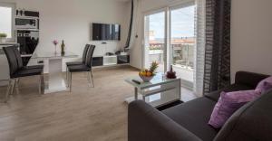 Apartments The Seasons Residence, Apartments  Omiš - big - 3