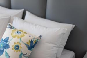 Crown Suites (Kamari)