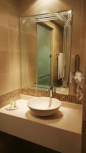 Al Buraq Hotel, Отели  Дубай - big - 9