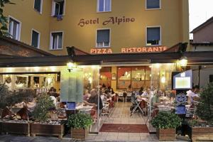Hotel Alpino, Szállodák  Malcesine - big - 112